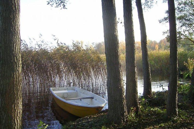 Ruderboot direkt am Grundstück