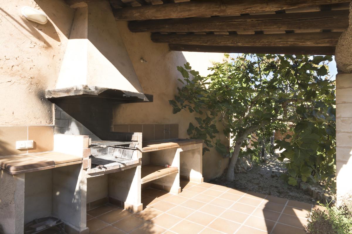 natursteinfinca 6 pers ferienhaus in cala bona mieten. Black Bedroom Furniture Sets. Home Design Ideas