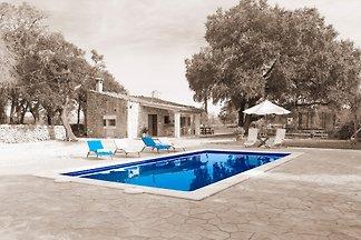 Vakantiehuis in Llubi