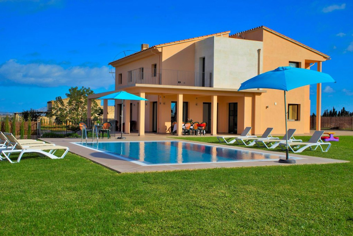 056 can picafort villa mallorca ferienwohnung in can picafort mieten. Black Bedroom Furniture Sets. Home Design Ideas
