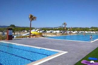 The family-friendly property is located in the beautiful resort Els Pins. The Village is located on the northern Costa de Barcelona, ??