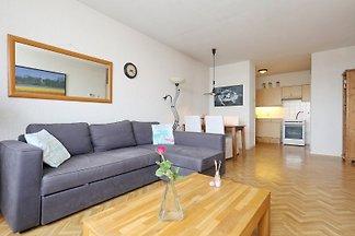 Comfortable und komplett eingerichtes Appartement auf 3e stock  auf 100 meter von Strand und Meer inklusive abgeschlossene Parkplatz, Wifi (internet), wasmachine.