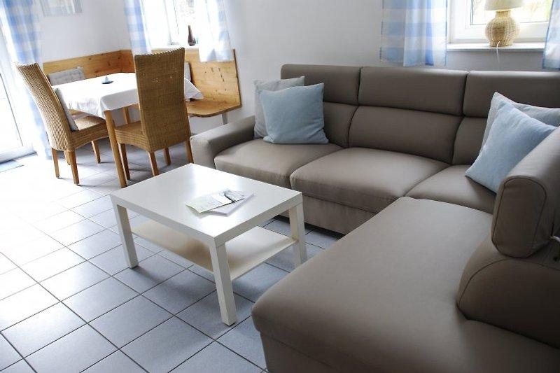 vakantiewoning voor 2-4 personen 'Sonnenlage' met 2 aparte slaapkamers, een woonkamer, een keuken, badkamer, terras ten zuiden met uitzicht op de wijnvelden