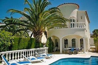 Casa Blanka    ( HUTG 29850)
