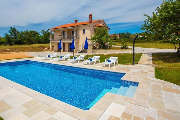 Holiday home Rossana in Tinjan - picture 1