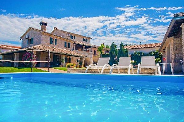 Villa Luna Selina