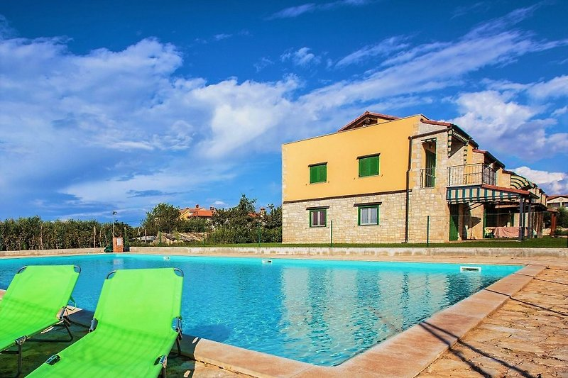 Apartment Gedici with pool