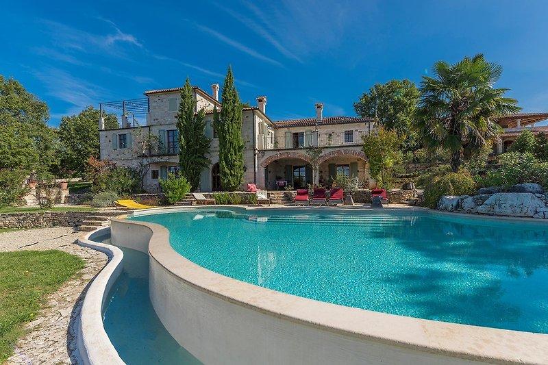 Villa zu den Drei Eichen-Barat
