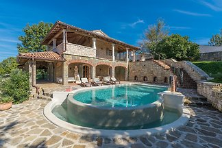 Villa with Private Pool in Barat