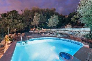 Kokettes, restauriertes Ferienhaus mit privatem Pool in Mancor del a Vall, ideal für 4 Gäste.