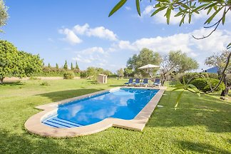 Gemütliches Ferienhaus nahe Capdepera mit privatem Pool und Garten. Hier können 3 Gäste einen Fincaurlaub nur 2.3 km von Cala Agulla entfernt verbringen.