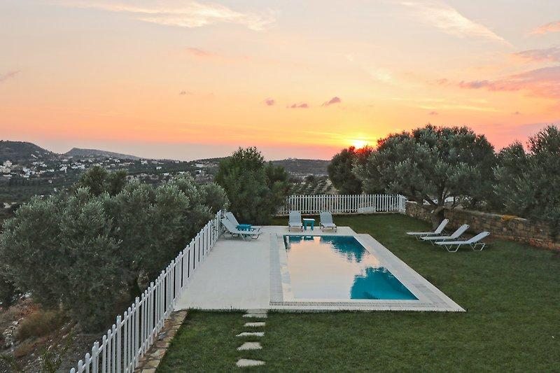 sunset villa Aspruga