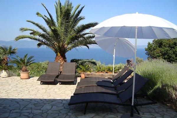 Villa Saskia con las mejores vistas al mar en Ravni - imágen 1