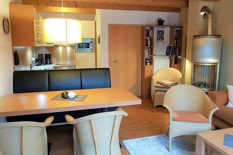 Wohnzimmer mit Elektrokamin Haus 8 & 9