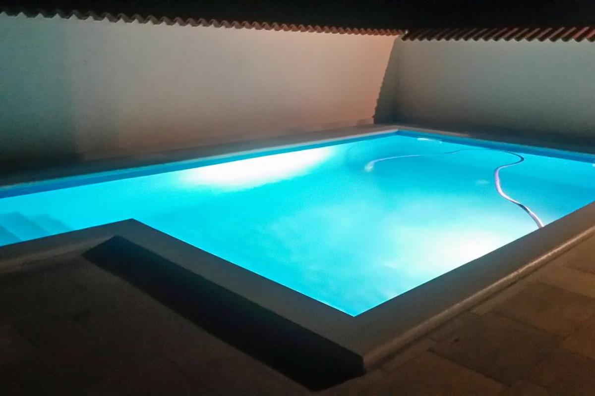 Pula 0216 maison de vacances pula louer for Prix piscine beton 6x4