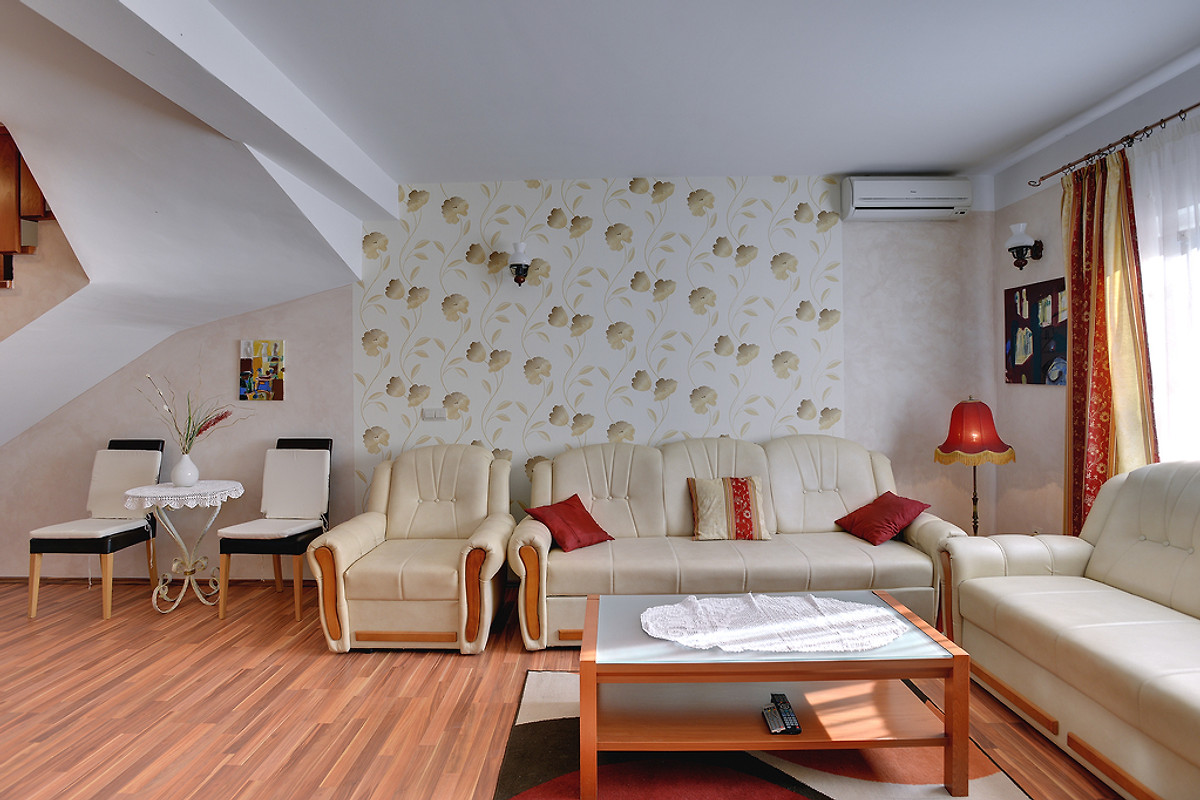 Rovinjsko selo 0331 casa vacanze in rovinjsko selo for Piani casa in stile artigiano 4 camere da letto
