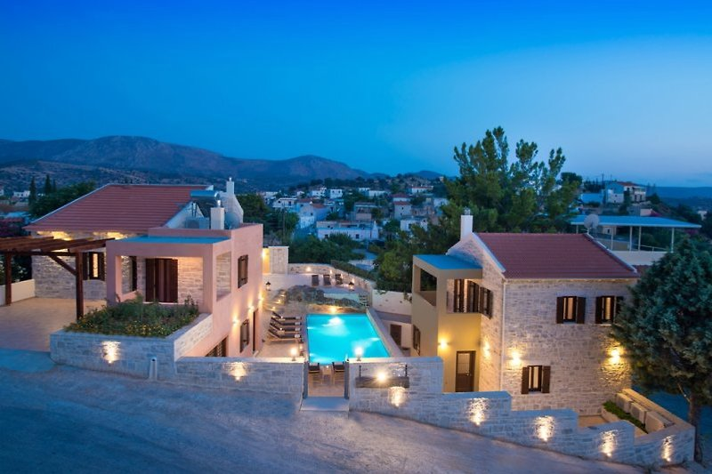 Phaistos villas