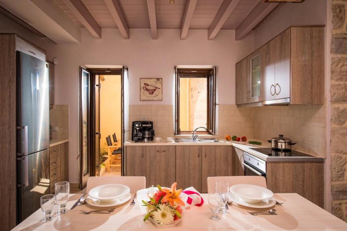 Phaistos villas maison de vacances sivas louer for Cuisine ouverte villa