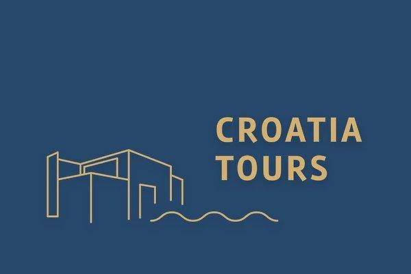 "<span style=""font-size:smaller;"">Société Croatia tours Makarska d.o.o.</span><br> M. Viskovic"