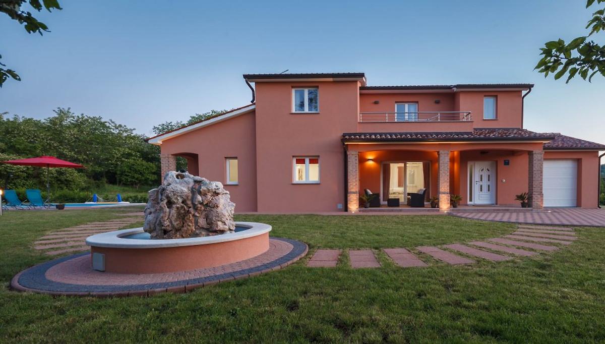 Belle villa interieure istrie maison de vacances a for Belle piscine de particulier 10 accueil location de villa en guadeloupe