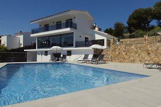 Villa Summertime