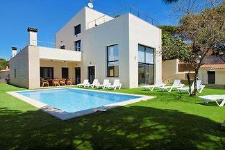 Vraiment une villa de vacances! Donc, peut cette villa probablement mieux décrit, avec piscine privée, un décor moderne et belle vue sur la mer!