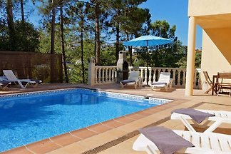 For a relaxing holiday and a few kilometers by car from the beach and the center of Lloret!