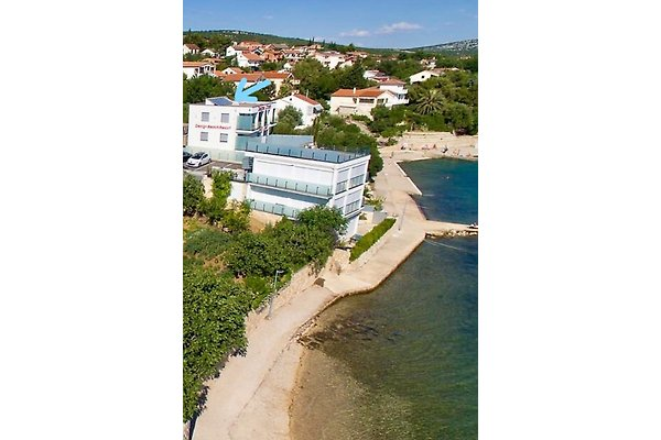 Beach Resort Luxury Apartment in Maslenica - picture 1