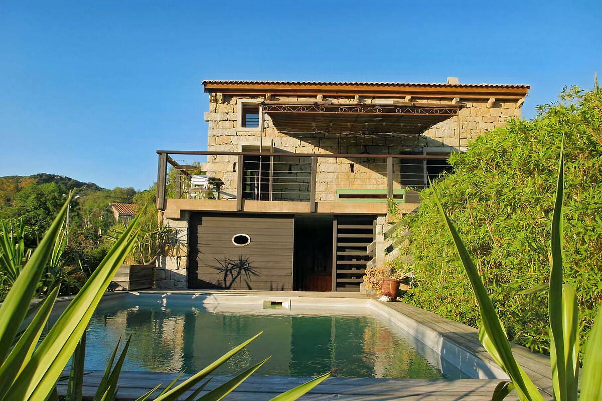 Villa 6 chambres 12 personnes maison de vacances for Villa 6 personnes piscine location vacances montauban