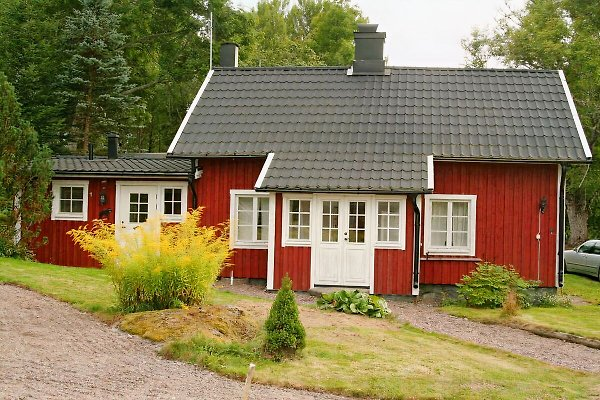 Vårdslunda Haus am See in Västervik - Bild 1