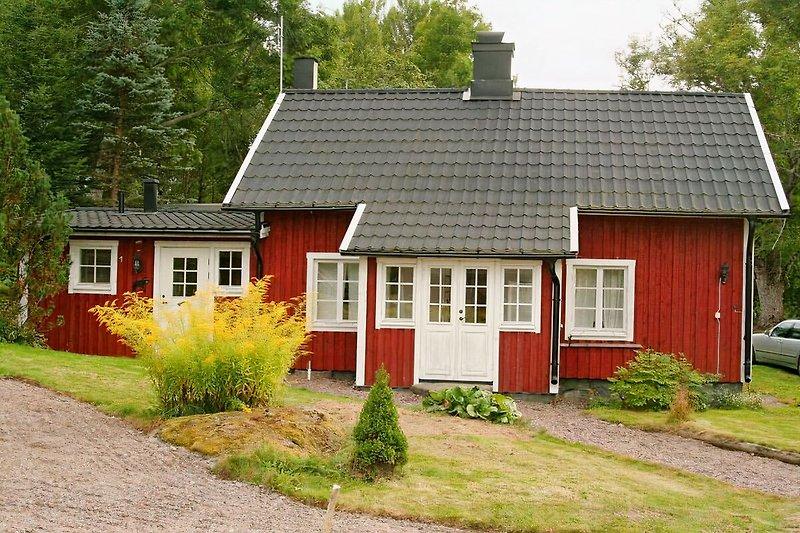 Vårdslunda Haus am See in Västervik - Bild 2