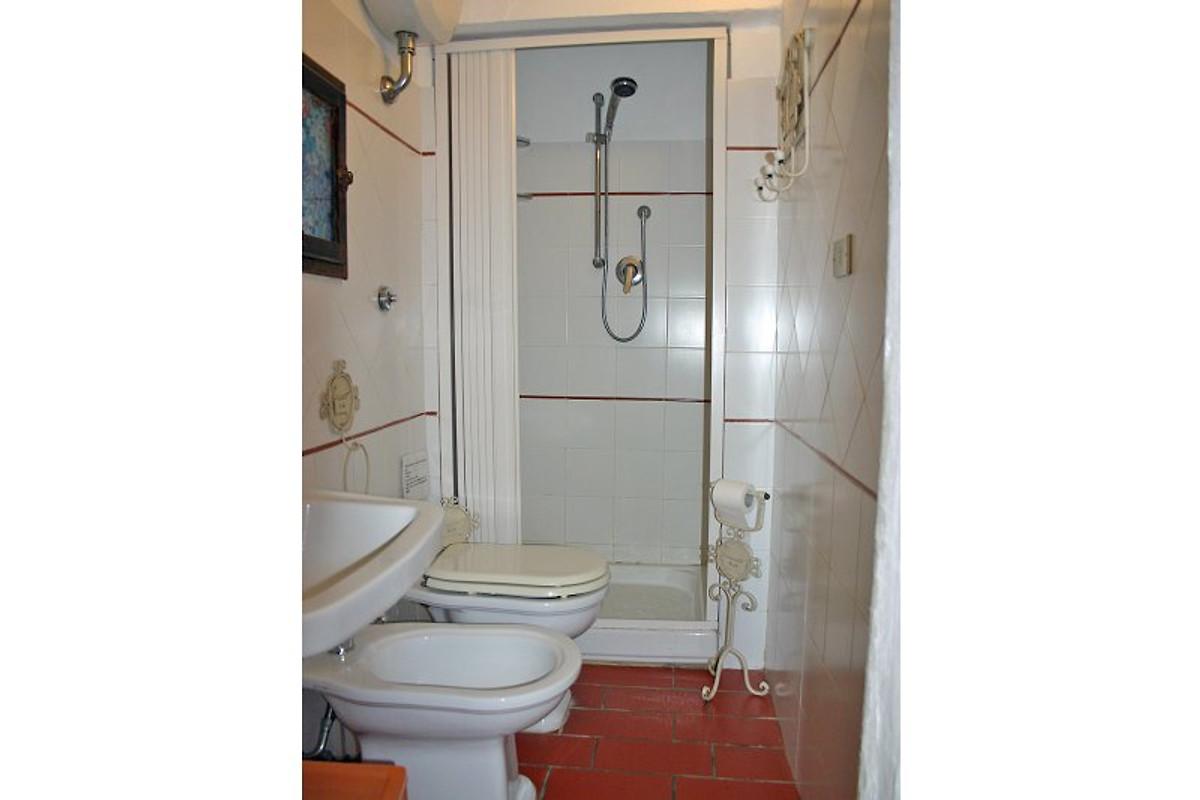 Scopino Da Bagno Design : Lo scopino in bagno di gavorrano firma agenzia immobiliare