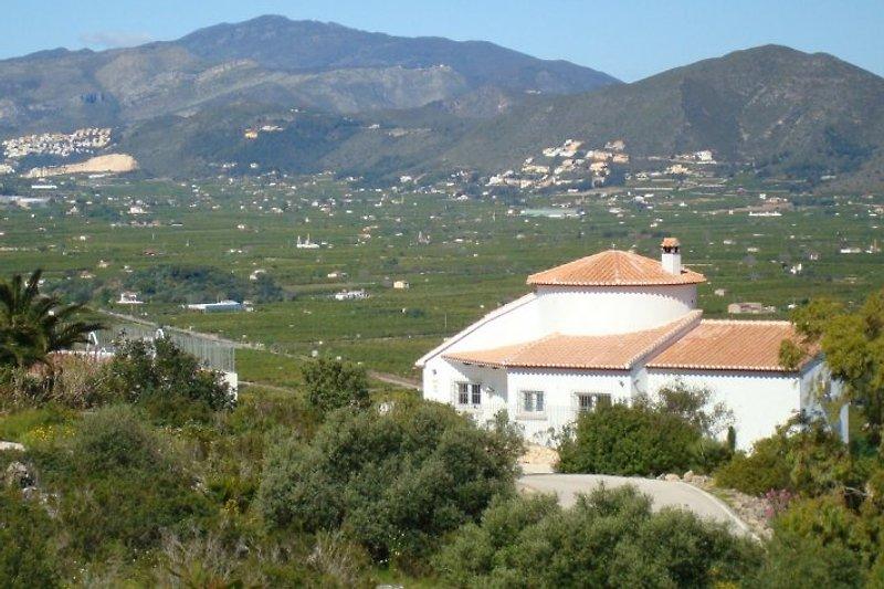 Ferienhaus mit Blick auf das Tal von Pego