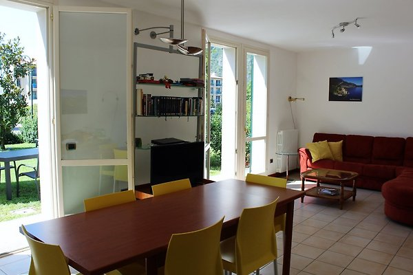 Villa rosa 1 porlezza ferienhaus in porlezza mieten - Wohnzimmer franzosisch ...