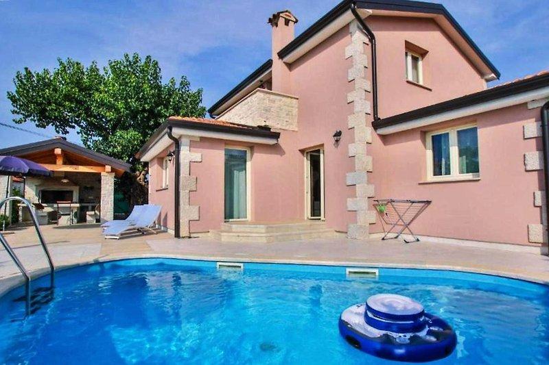 Villa Contessa mit Pool