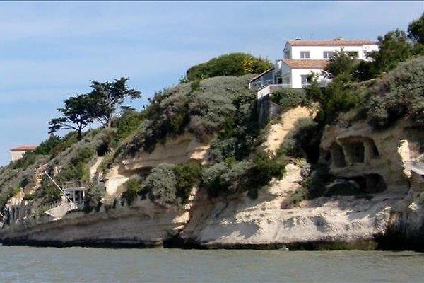 Terrasses avec vue sur le fond de la mer à Meschers-sur-Gironde - Image 1