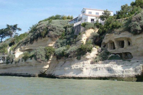 Belle étage au-dessus de la mer à Meschers-sur-Gironde - Image 1