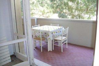 Die gut gelegene 3-Zi. Terrassenwohnung befindet sich in San Vincenzo nur ein paar hundert Meter vom Meer entfernt in einer Wohnanlage.