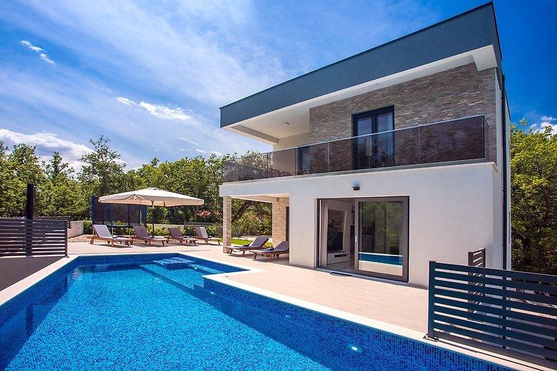 Moderne Villa Zora- 30m2 beheizter Pool,Garten mit Grillbereich