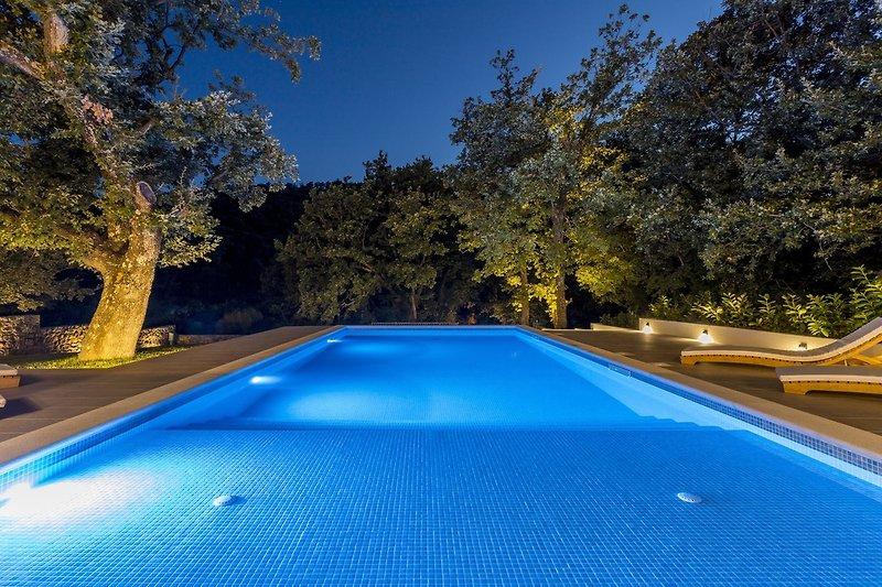 Kommen Sie in die Villa Ventura und übernachten Sie in einer luxuriösen Unterkunft, 30 Minuten von der Stadt Split