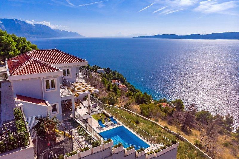 Villa S & A mit beheiztem privatem Pool, 3 Schlafzimmer, 3 Bäder, Spielplatz