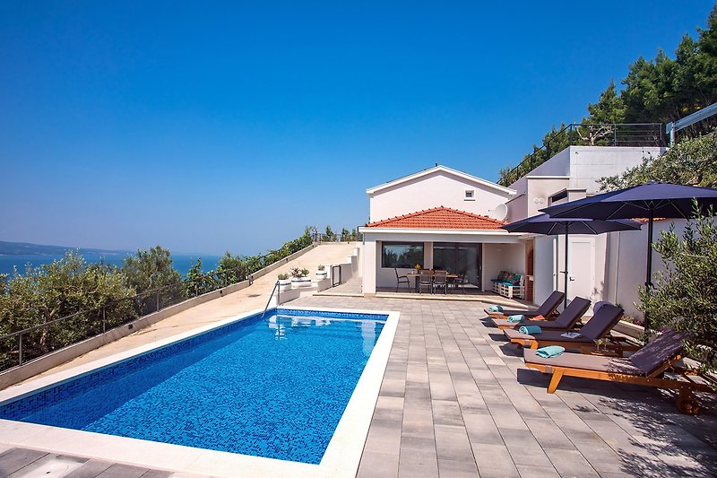 BRANDNEU!! Villa Dream mit privatem Pool, 2 Schlafzimmer, 6 Personen max