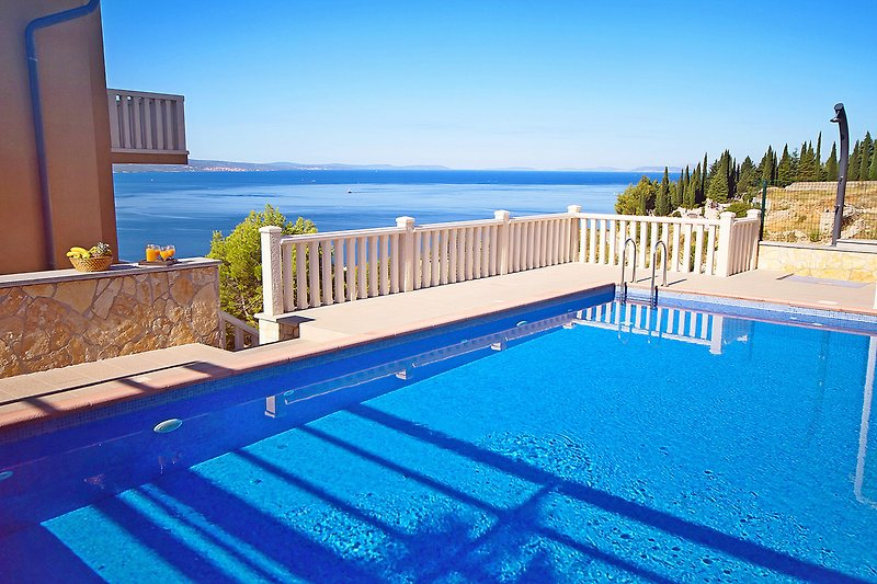 Villa Ana mit 50 qm Pool, 7 Schlafzimmer, 7 Badezimmer, Spielzimmer, 2 km vom Strand entfernt