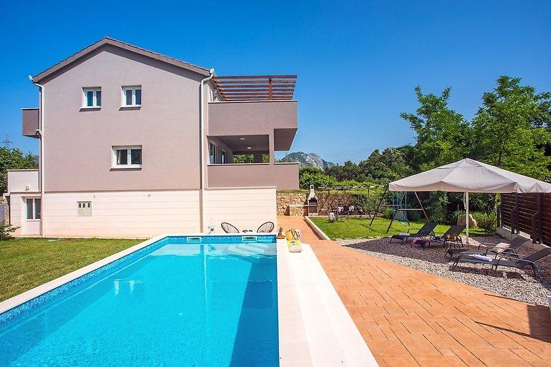 Villa Jelena mit Sauna und privatem Pool ohne Chlor System und Badminton Platz