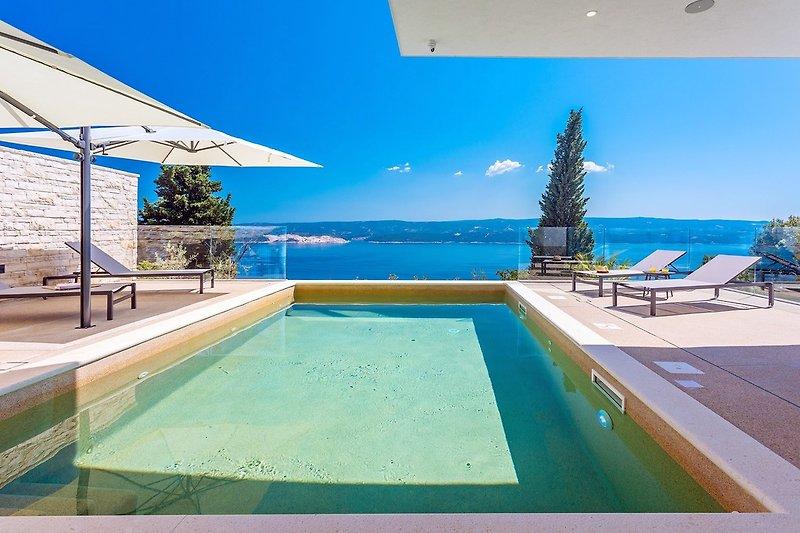 Außergewöhnliche Villa Gušt mit beheiztem Pool, Wellness, Medienraum