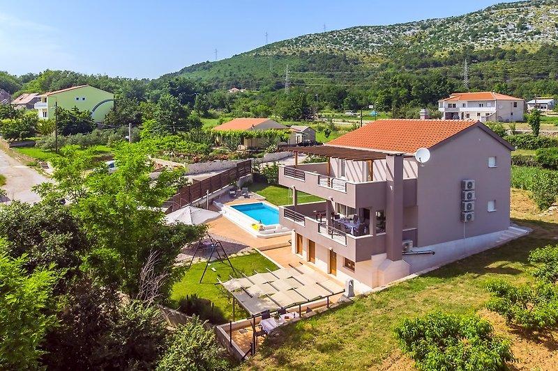 Villa Jelena mit Sauna und privatem Pool 8m * 3,5m mit Massage und Geyser