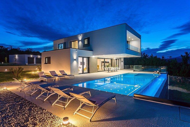 Luxusvilla Sunrise Traum mit beheiztem Pool, Whirlpool, Tennisplatz, Sauna, 10 Personen