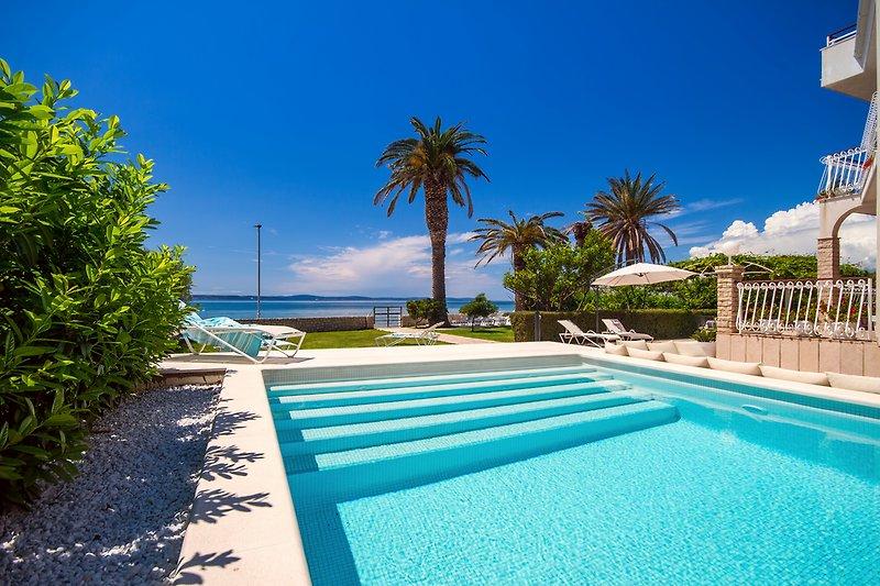 Die Strandvilla AMOR mit einem privaten 36m2 Pool und 7 Schlafzimmern
