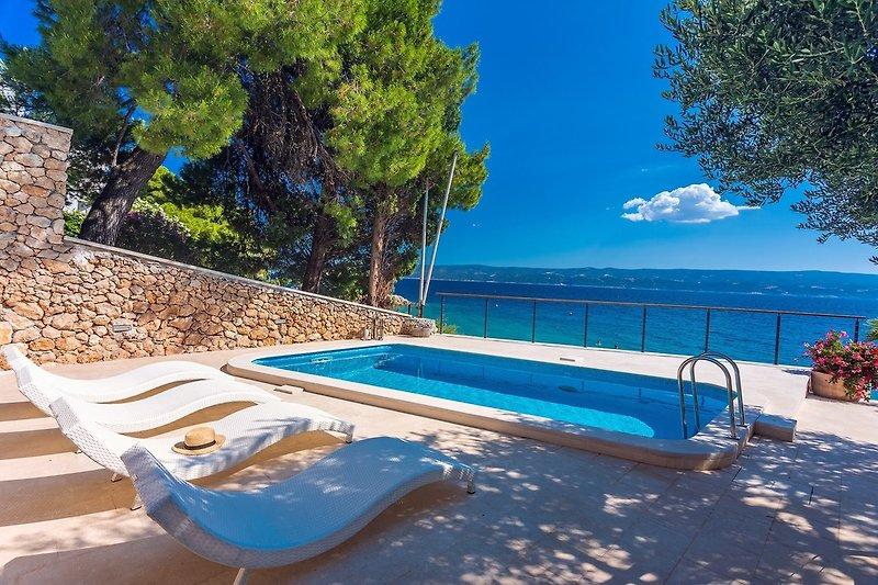 Neu! Strandvilla Casa Ahoi mit 2 Schlafzimmern, beheiztem Pool und herrlichem Meerblick