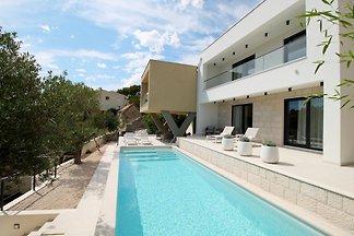 OLIVERAIE piscine, sauna, vue sur la mer